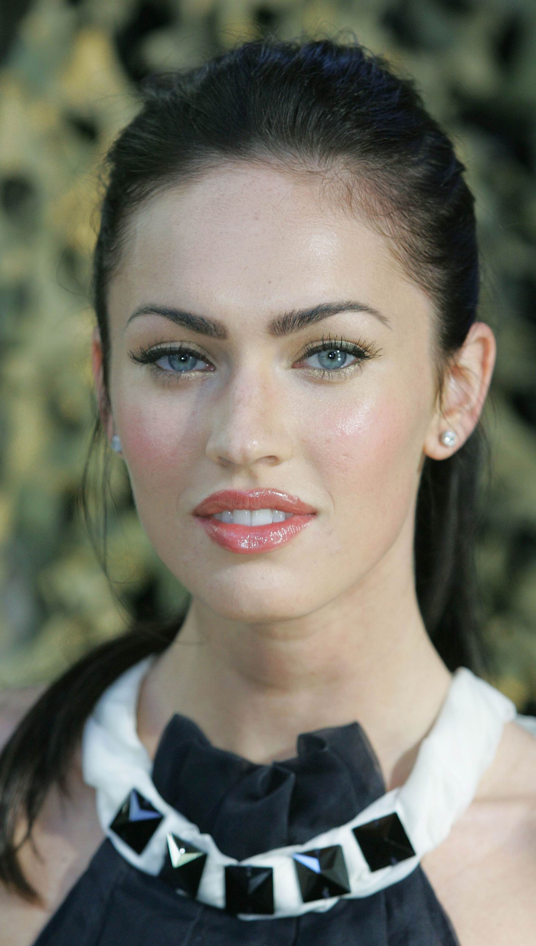 Megan Fox htc one wallpaper