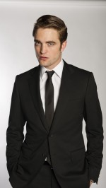 Robert Pattinson suit