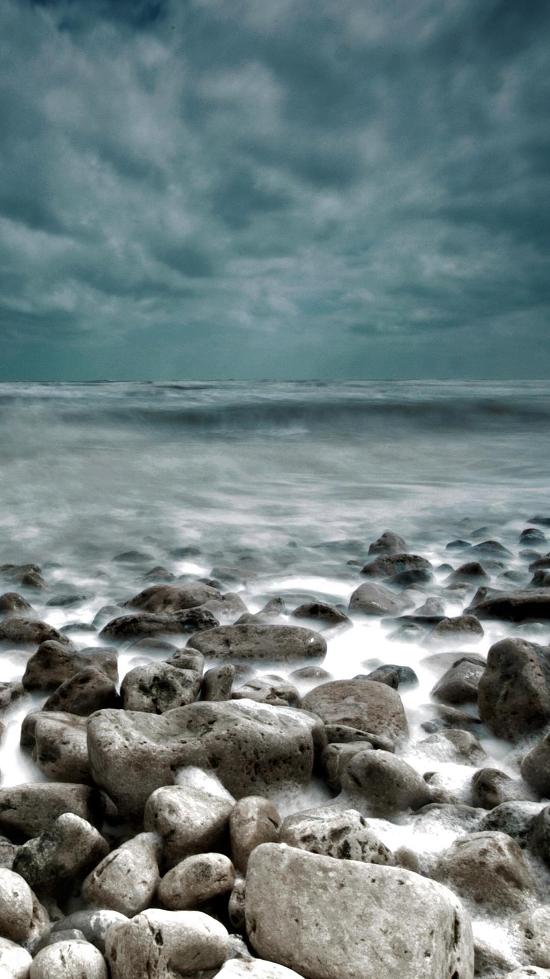Stormy Sea htc one wallpaper