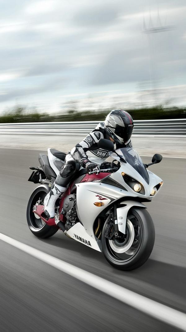 Yamaha moto race