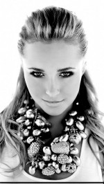 Cute Hayden Panettiere htc one wallpaper