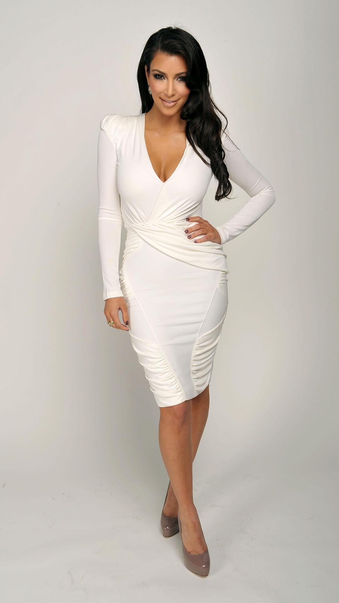 Kim Kardashian Htc One Wallpaper