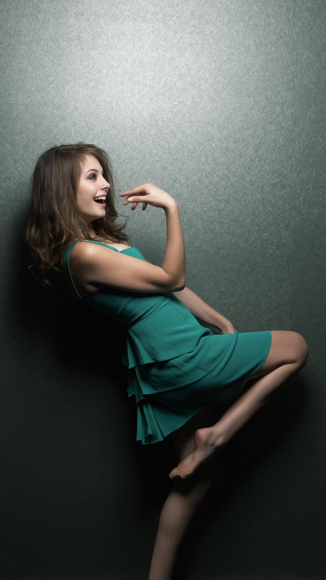 Beautiful girl htc one wallpaper