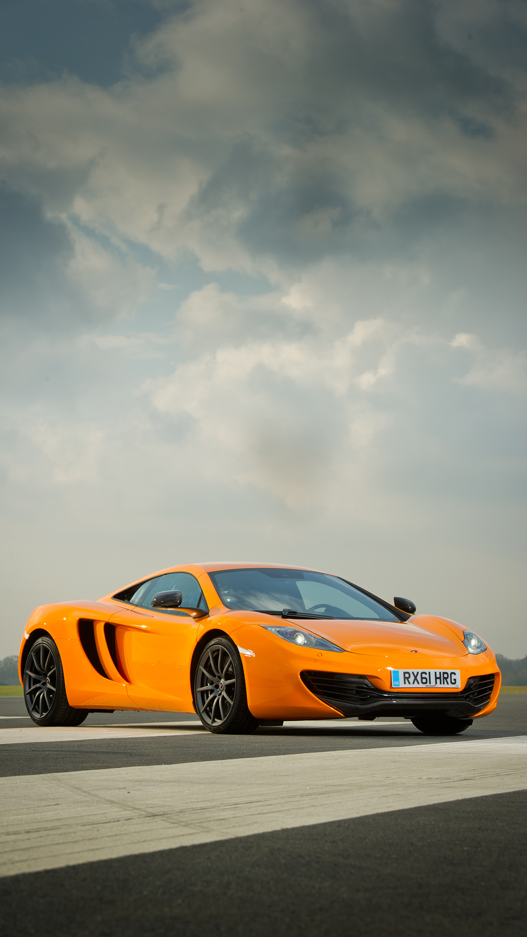 McLaren htc one wallpaper