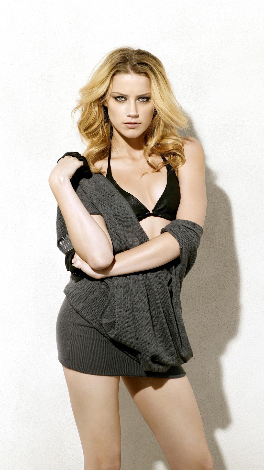 Amber Heard htc one wallpaper