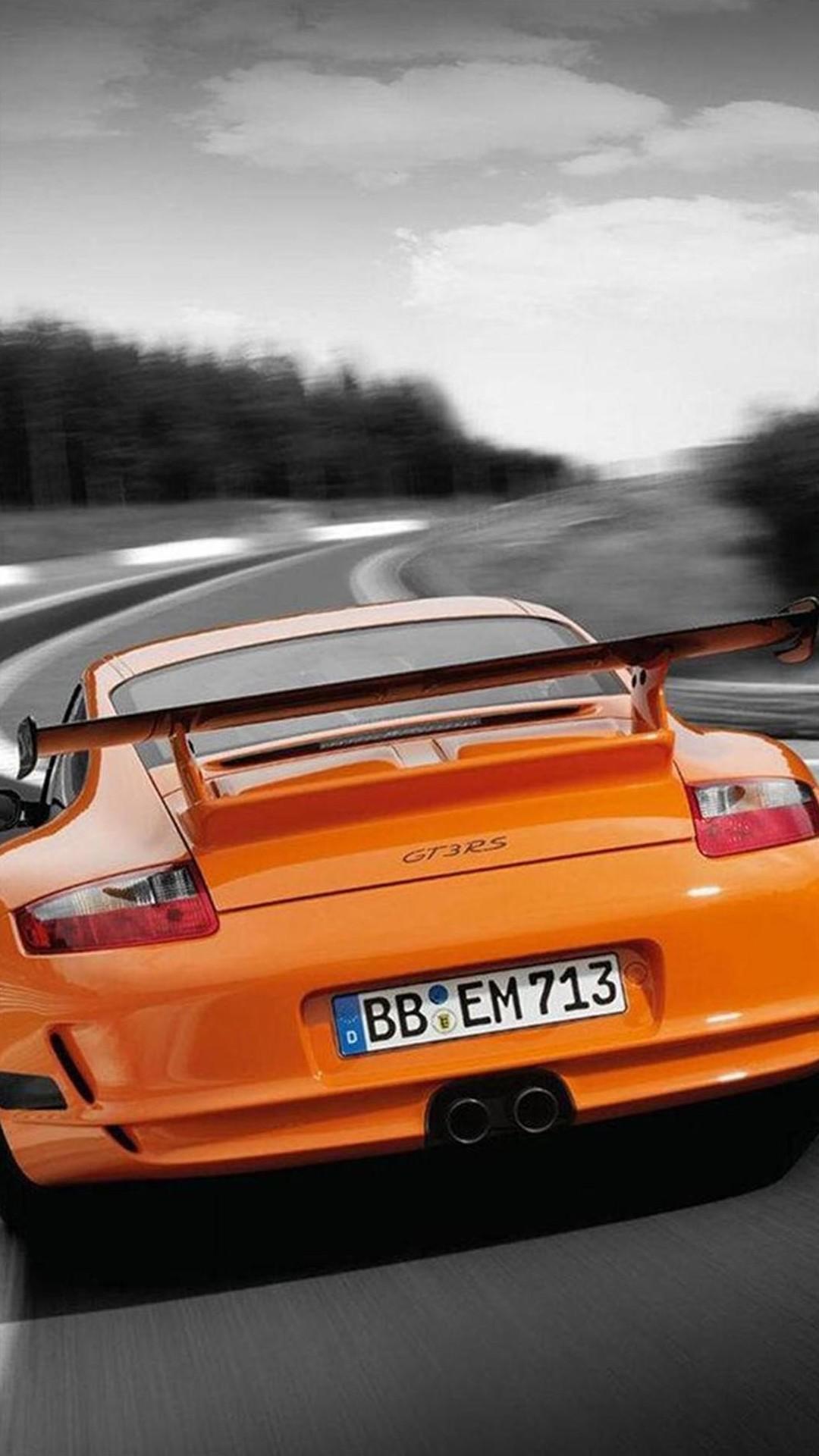 Orange Porsche 911 GT3