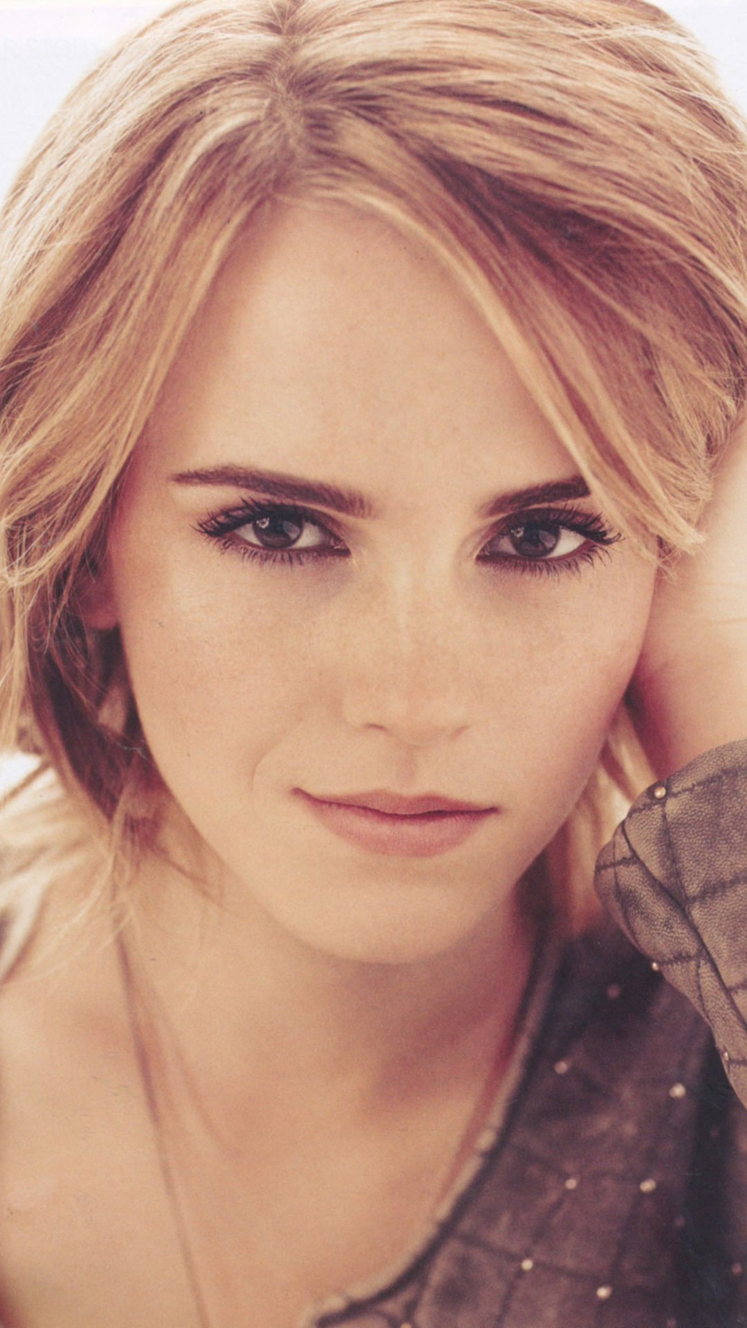 Emma Watson brown eyes