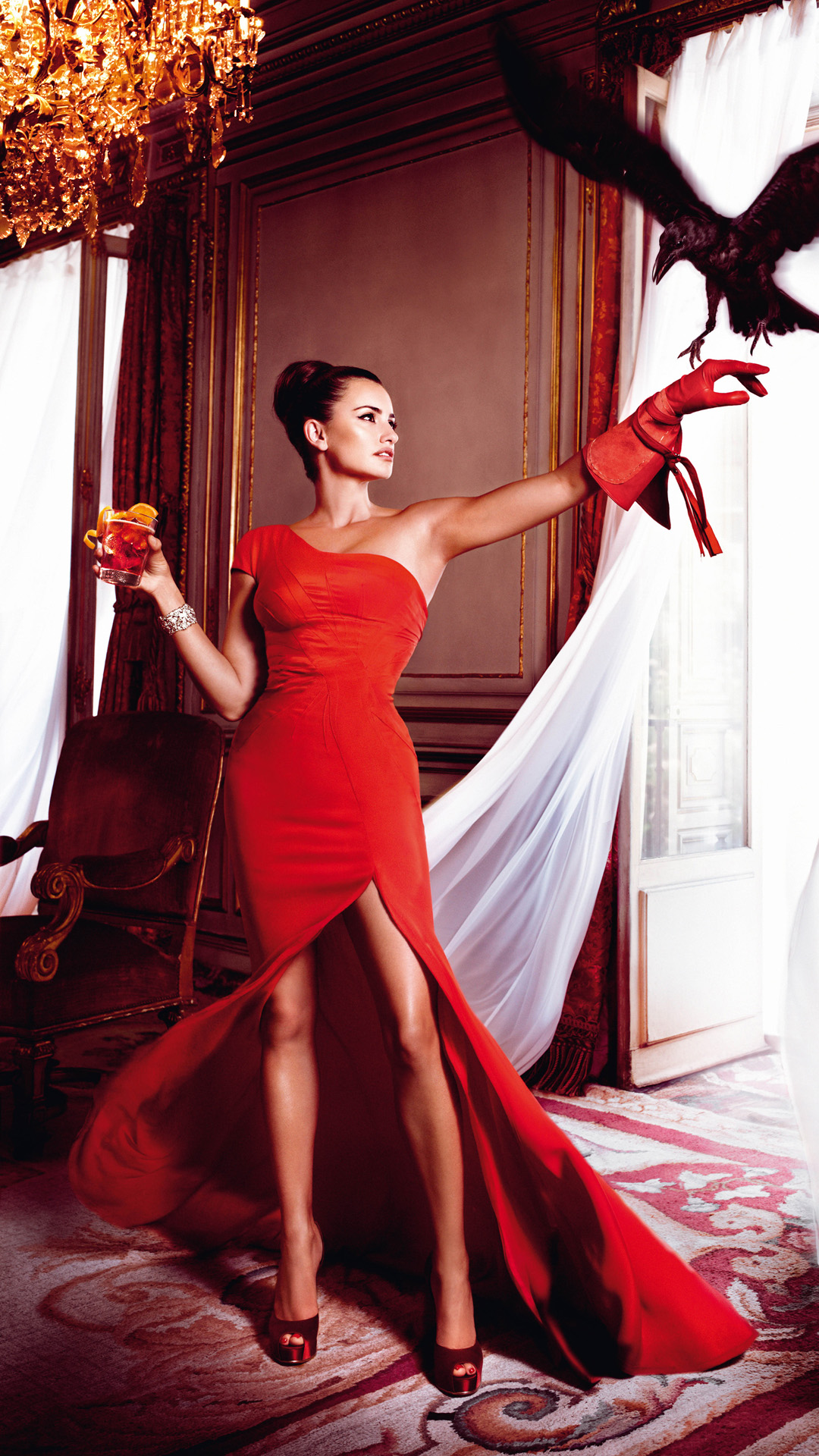 Penelope Cruz red dress