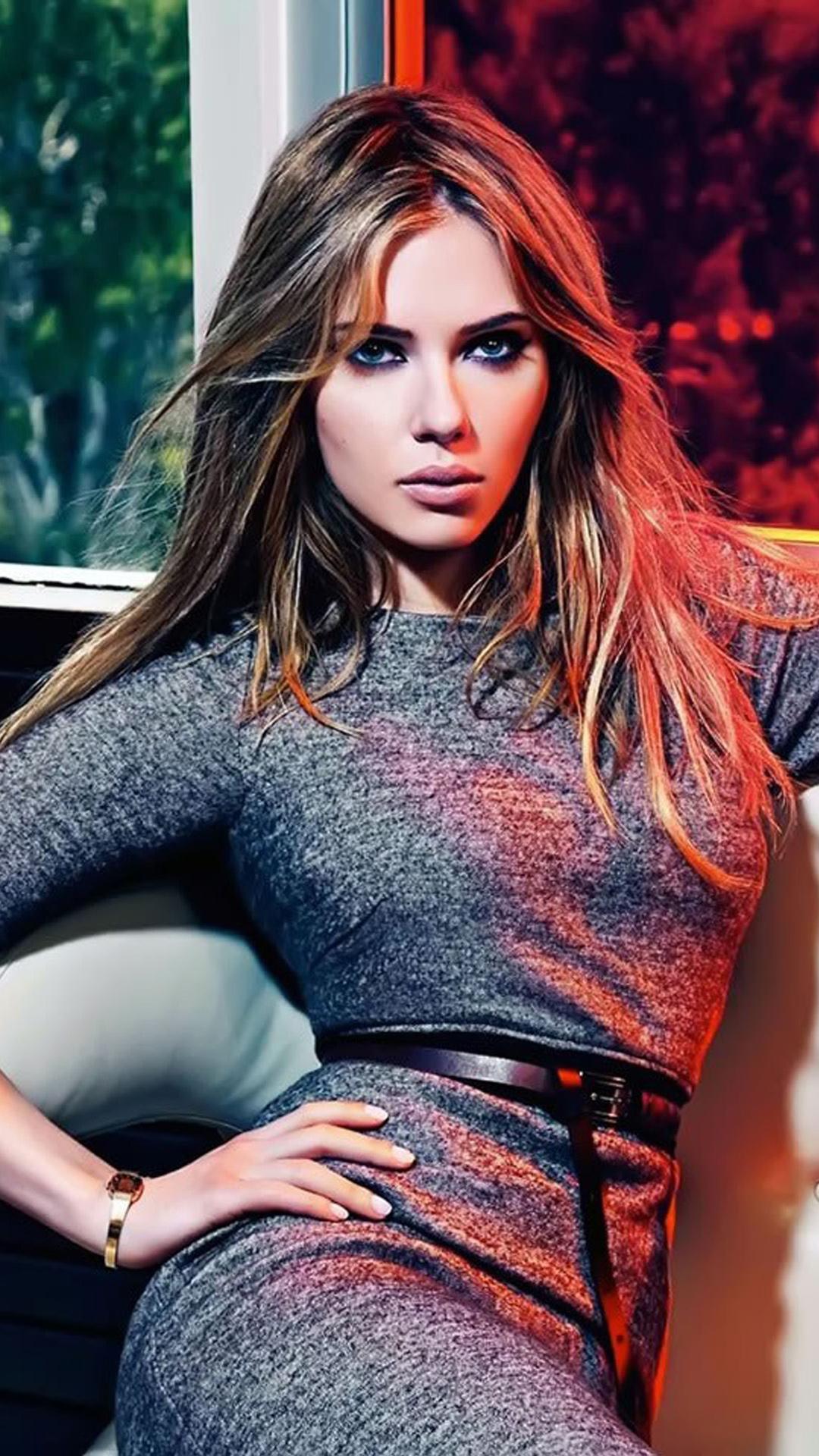 Download Scarlett Johansson