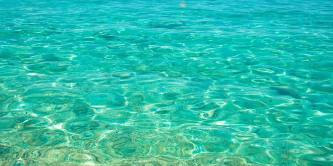 clear ocean water wallpaper clear tropical water best htc one wallpapers 825